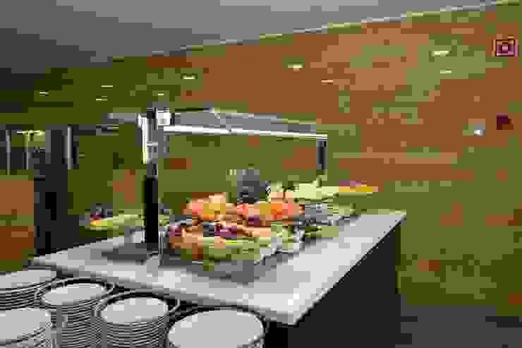 Móvel de sobremesas por Área77 - arquitectura, engenharia e design, lda Moderno