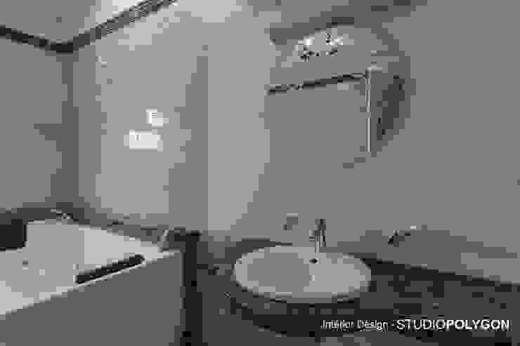 Bathroom: modern  by Studio Polygon,Modern