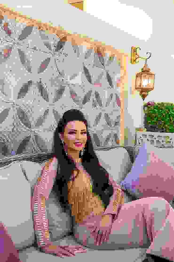 Villa Interior design in UAE of Katrina Antonovich Classic style corridor, hallway and stairs by Luxury Antonovich Design Classic