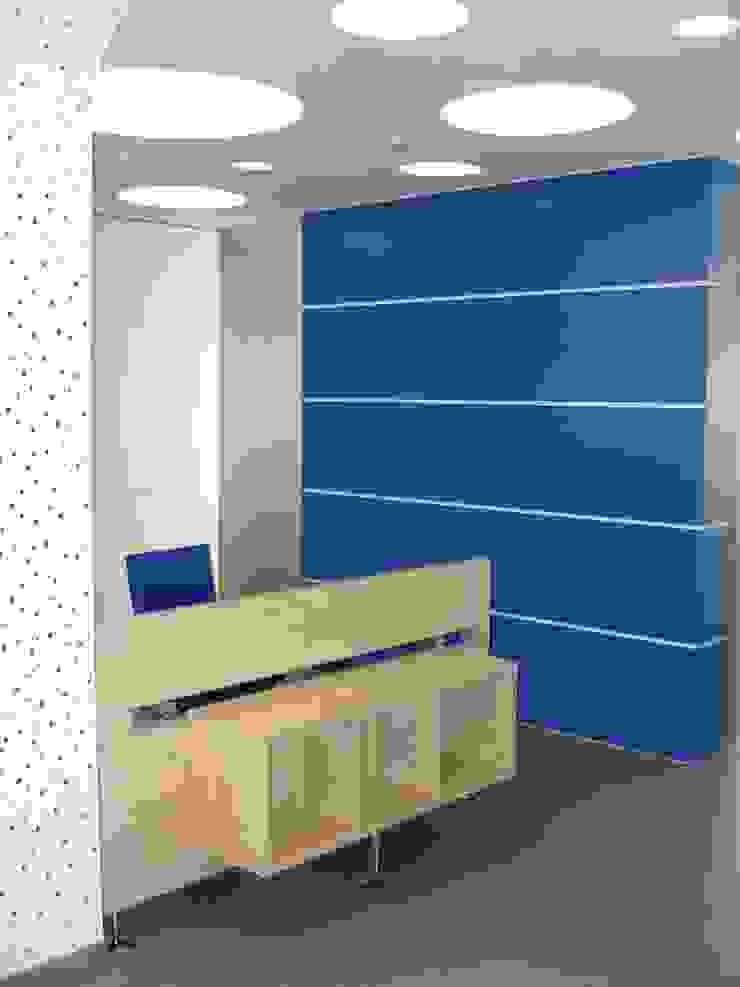 Pormenor da receção por Área77 - arquitectura, engenharia e design, lda Moderno