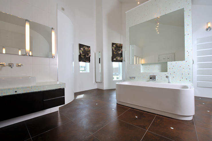 Sea House, Porth | Cornwall Perfect Stays Eclectic style bathroom