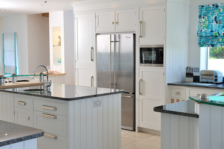 Sea House, Porth | Cornwall:  Kitchen by Perfect Stays,