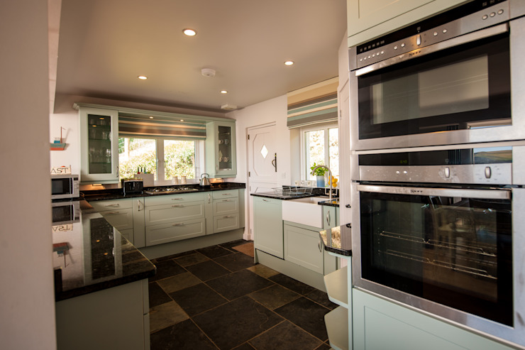 Headlands, Mawgan Porth | Cornwall:  Kitchen by Perfect Stays, Eclectic