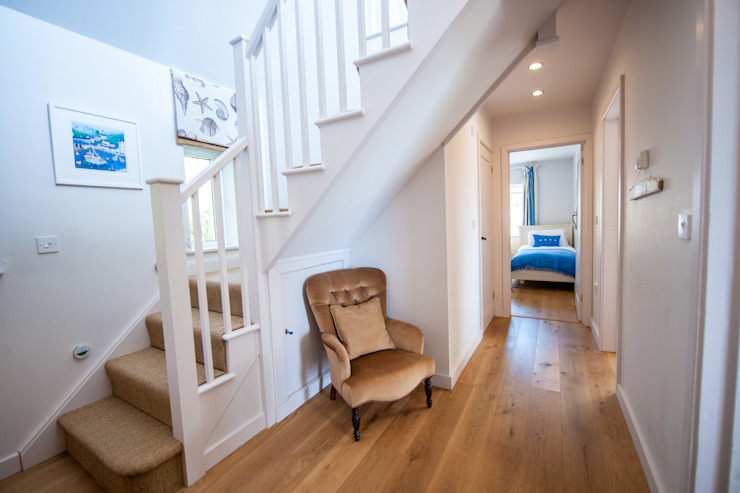 Headlands, Mawgan Porth | Cornwall:  Corridor & hallway by Perfect Stays, Eclectic