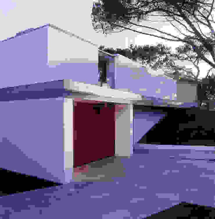 Casas de estilo minimalista de Pedro Mendes Arquitectos Minimalista