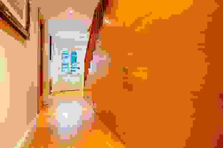 Blue Moorings, Dartmouth | Devon Perfect Stays Pasillos, vestíbulos y escaleras de estilo ecléctico