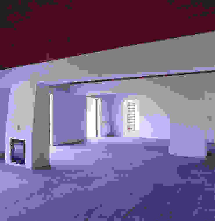 House in Pavia Salas de jantar mediterrânicas por Pedro Mendes Arquitectos Mediterrânico