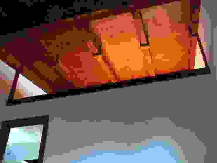 Phòng ngủ phong cách kinh điển bởi Intra Arquitectos Kinh điển