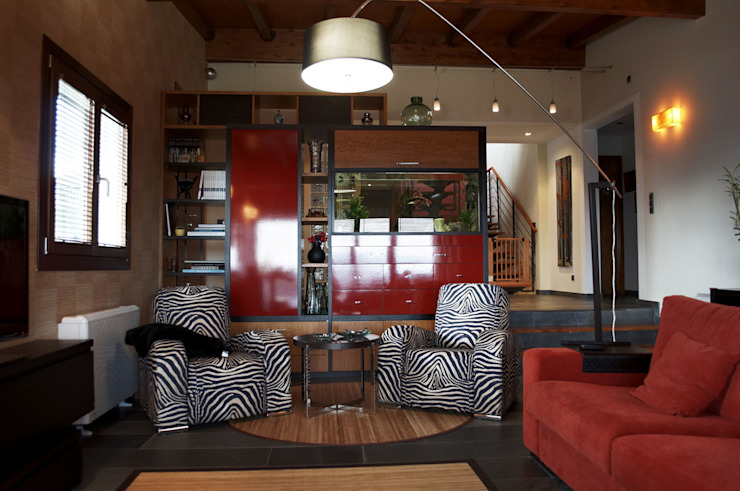 Living room by Intra Arquitectos,