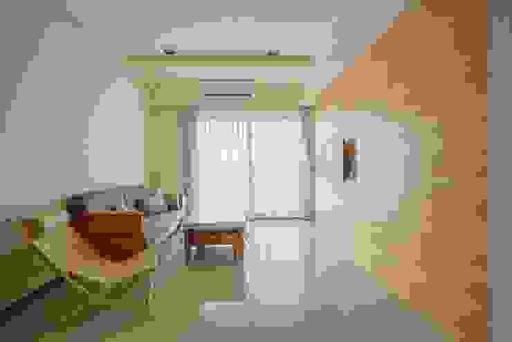Salas de estar modernas por 森參設計 Moderno