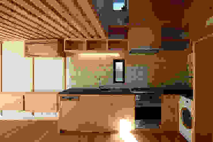 すわ製作所 Eclectic style kitchen Wood