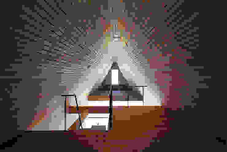 すわ製作所 Eclectic style bedroom Wood