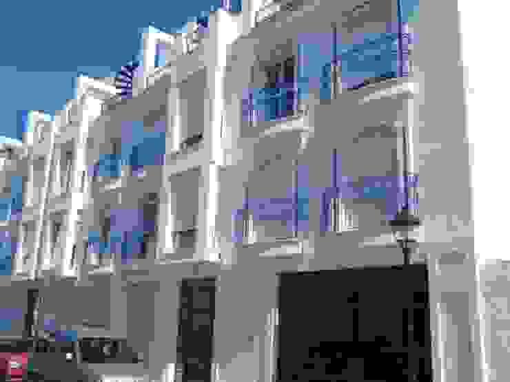 Foto fachada Construida Edidoracel S. L. Reformas y Rehabilitaciones Casas clásicas Blanco