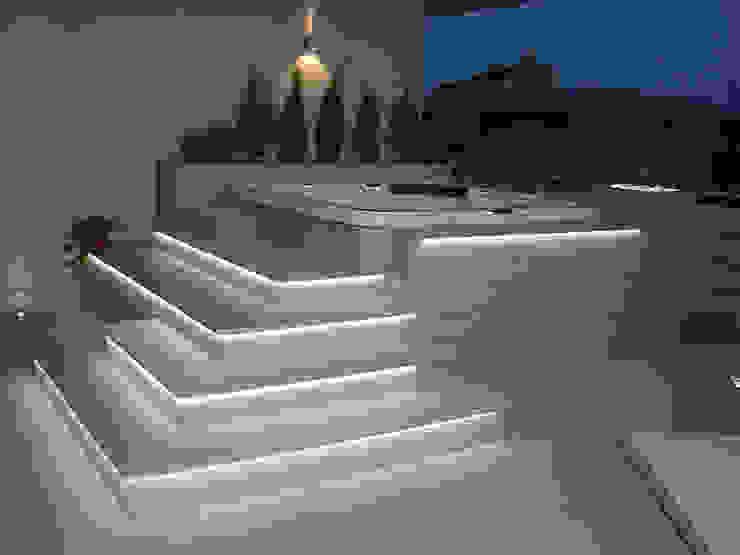 Arredo urbano service srl Modern Terrace Engineered Wood Grey