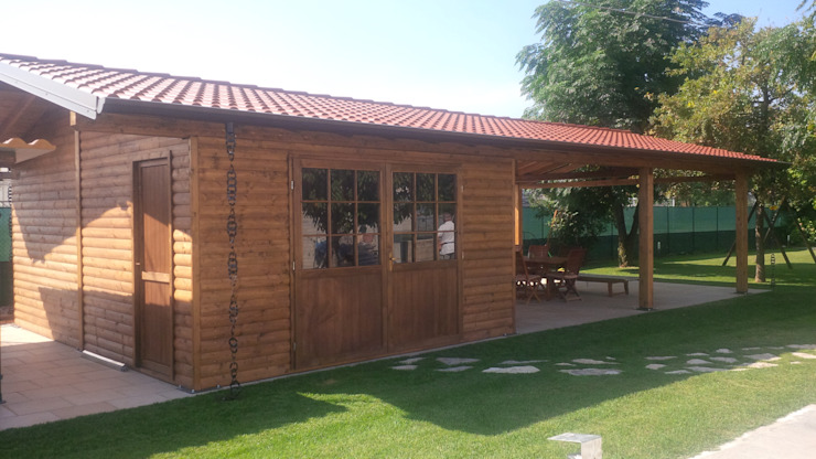 Classic style garage/shed by Arredo urbano service srl Classic Wood Wood effect