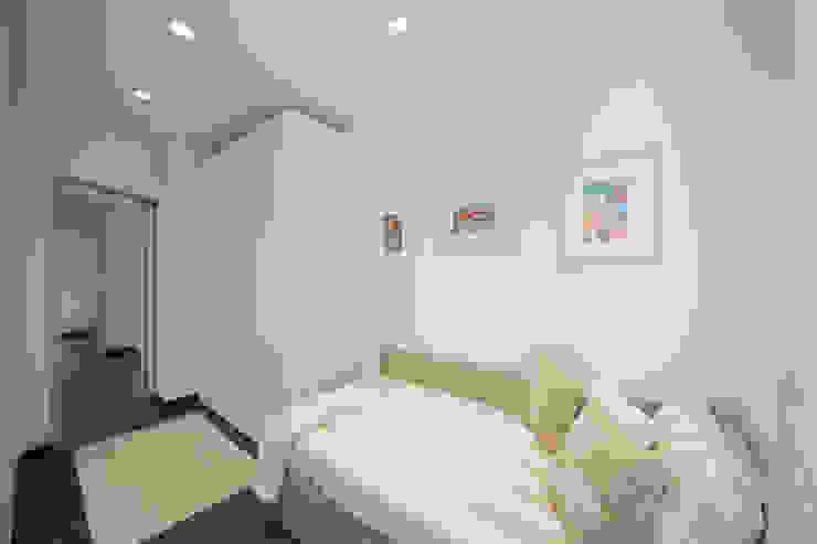 Camera singola Lella Badano Homestager Camera da letto in stile mediterraneo Beige