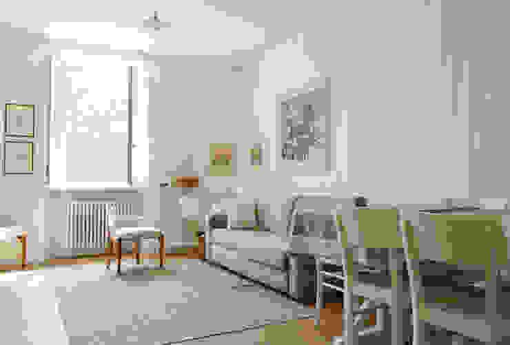 Ruang Keluarga Gaya Skandinavia Oleh giorgio davide manzoni Skandinavia