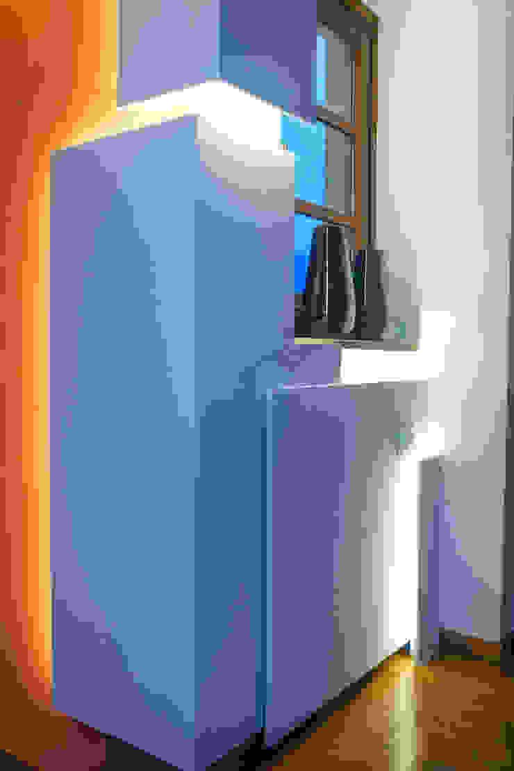""""""" The Love - The Sculpture"""" Soggiorno minimalista di Luca Bucciantini Architettura d' interni Minimalista"""