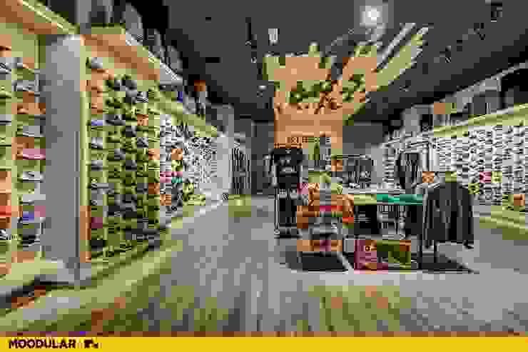 Moodular - Xtreme Coimbra Centros Comerciais modernos por MOODULAR Moderno