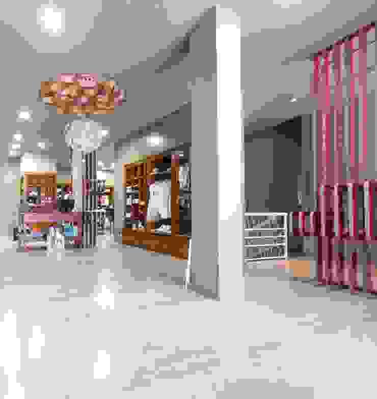 Moodular - Gato Malhado Lojas e Espaços comerciais modernos por MOODULAR Moderno