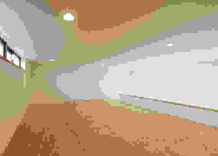 有限会社アルキプラス建築事務所 Modern garage/shed