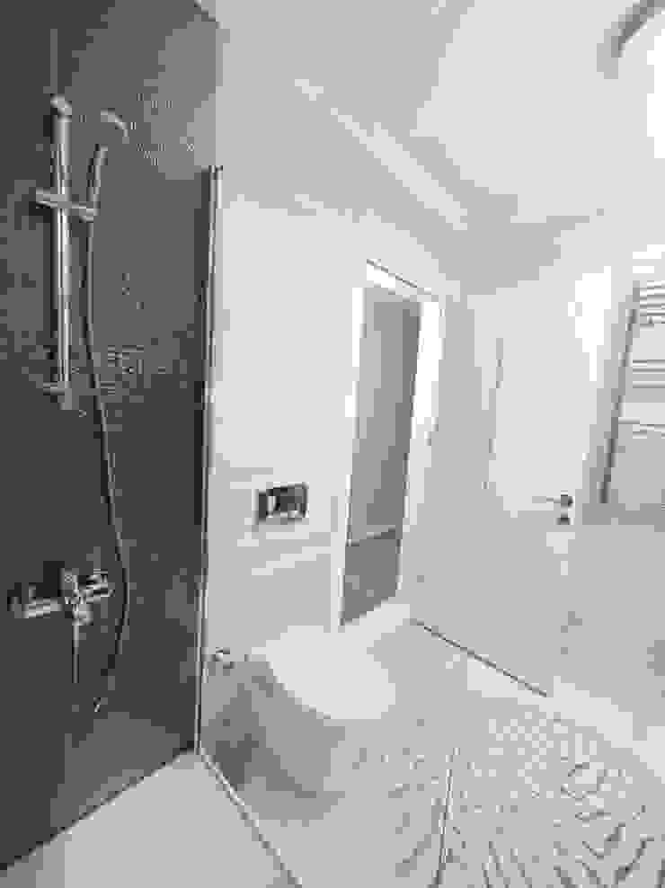 Modern style bathrooms by MAG Tasarım Mimarlık İnşaat Emlak San.ve Tic.Ltd.Şti. Modern
