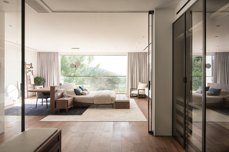 Bedroom by Sensearchitects Limited,