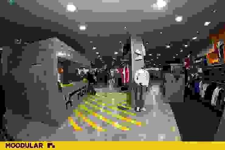Moodular - Xtreme Aveiro Lojas e Espaços comerciais modernos por MOODULAR Moderno