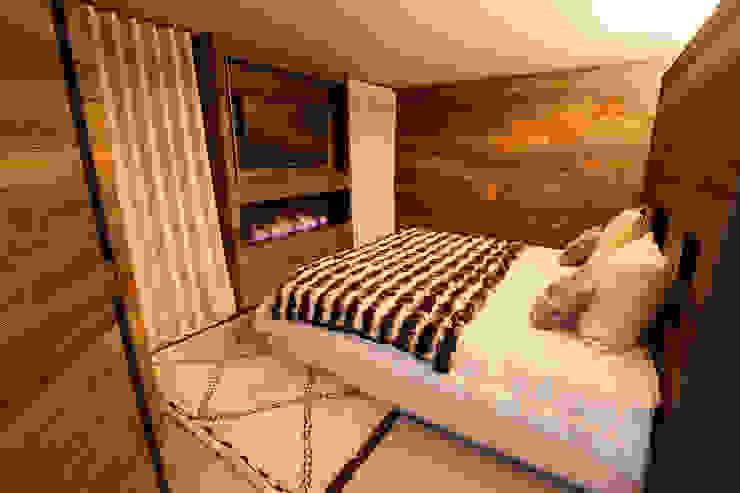 Rustikale Schlafzimmer von BEARprogetti - Architetto Enrico Bellotti Rustikal Massivholz Mehrfarbig