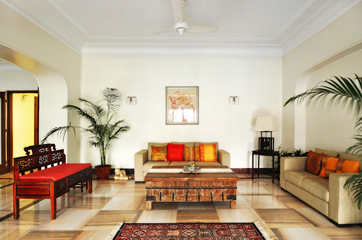 Dhruva Samal & Associates Colonial style living room