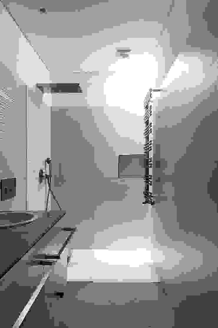 Casa de banho Casas de banho modernas por Franca Arquitectura Moderno
