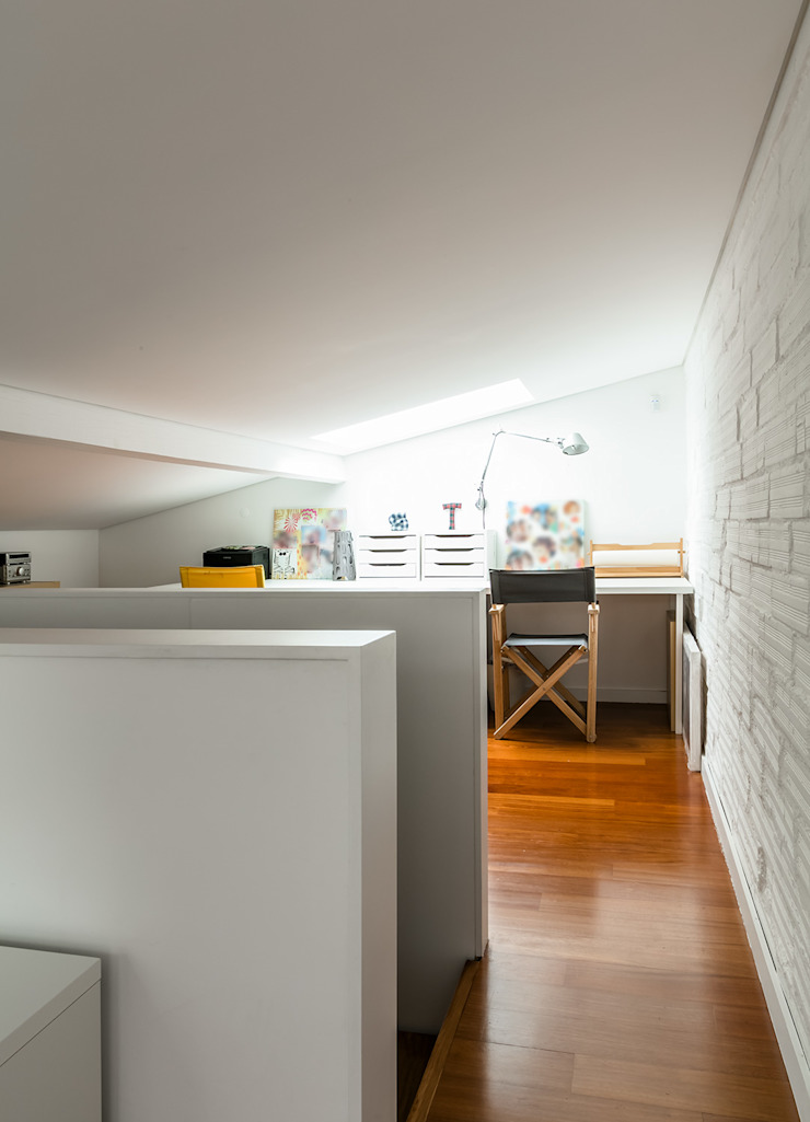 Sotão Escritórios modernos por Franca Arquitectura Moderno