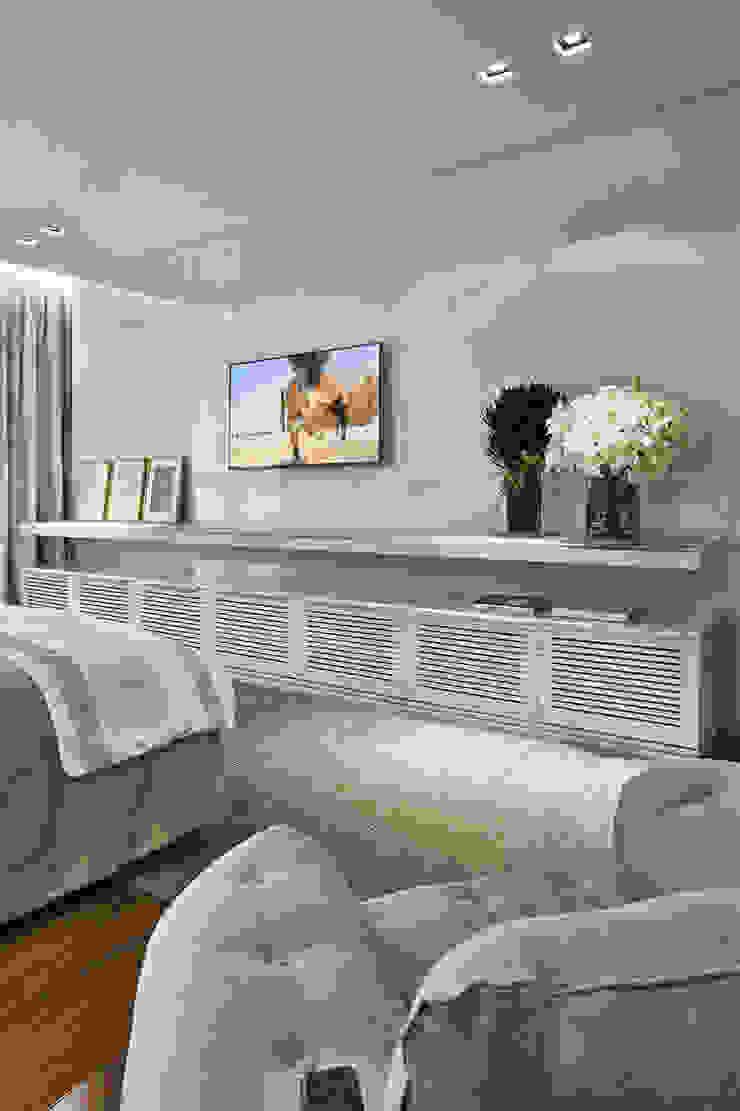 suite master Quartos modernos por Alessandra Contigli Arquitetura e Interiores Moderno