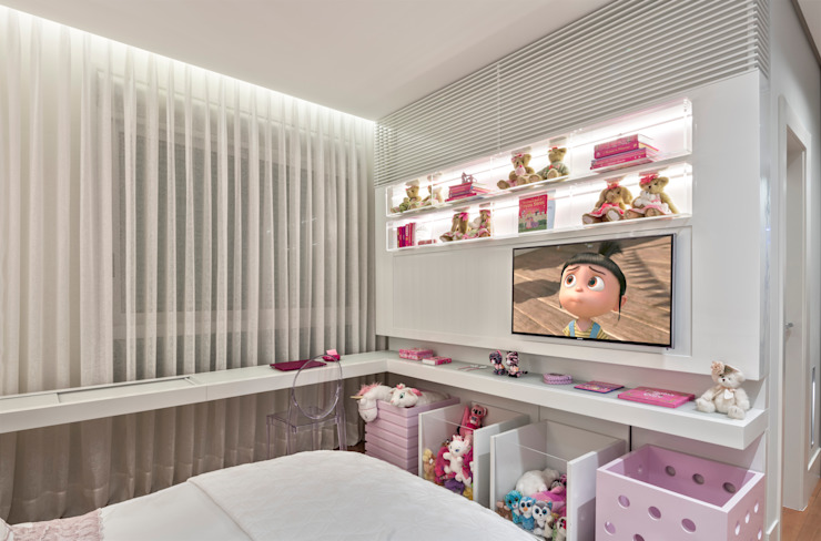 Nursery/kid's room by Alessandra Contigli Arquitetura e Interiores,
