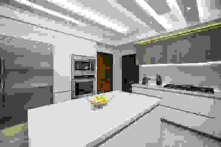 QR201 Cocinas modernas de ESTUDIO TANGUMA Moderno Cuarzo