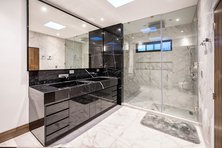 Modern bathroom by ESTUDIO TANGUMA Modern Granite
