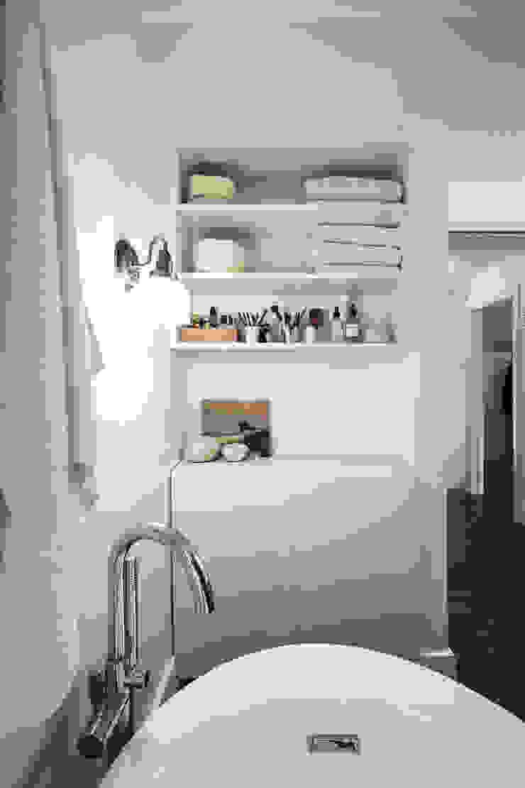 SV Modern Bathroom Modern bathroom by Unit 7 Architecture Modern