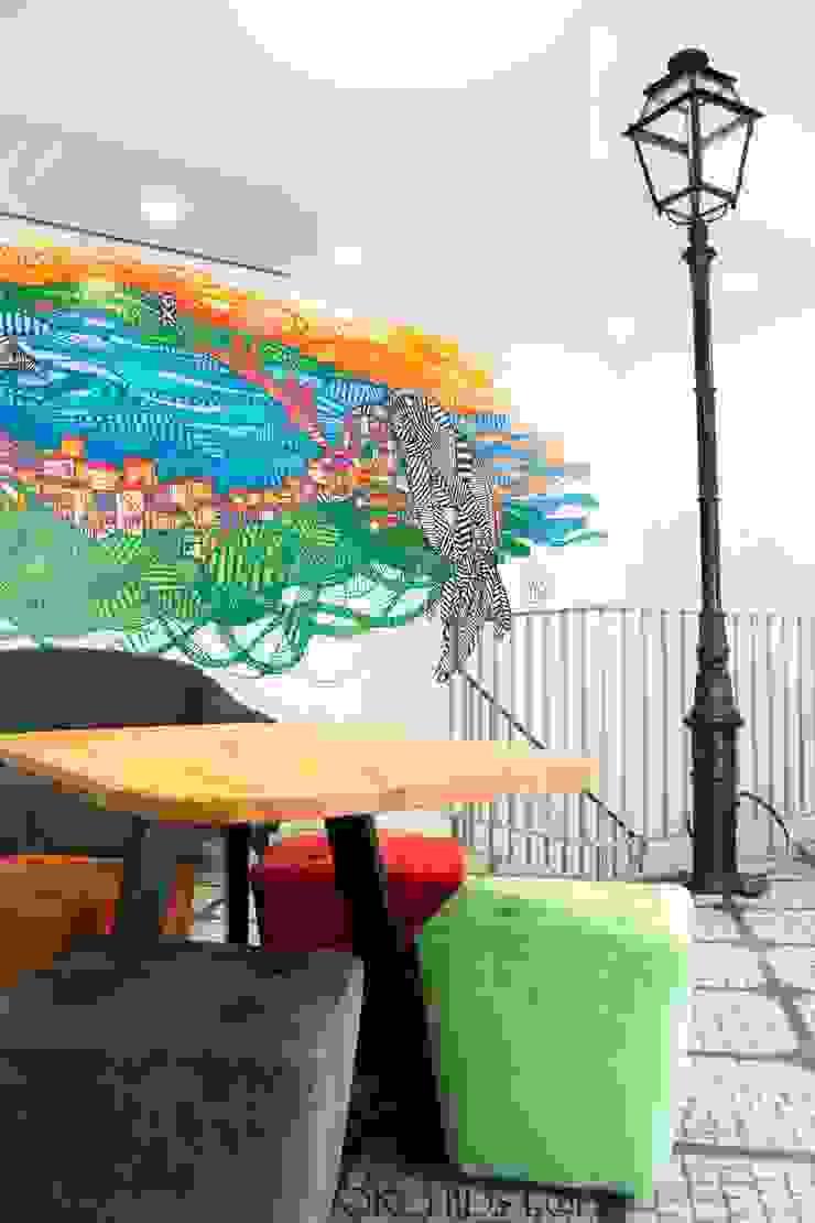 Study in Lisbon Lounge Espaços comerciais modernos por ORCHIDS LOFT by Alexandra Pedro Moderno Madeira Acabamento em madeira
