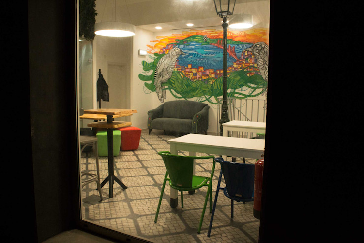 Study in Lisbon Lounge Locais de eventos modernos por ORCHIDS LOFT by Alexandra Pedro Moderno Madeira Acabamento em madeira