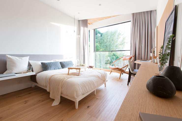 The Cosy Bed:  Bedroom by Sensearchitects Limited, Modern Wood Wood effect