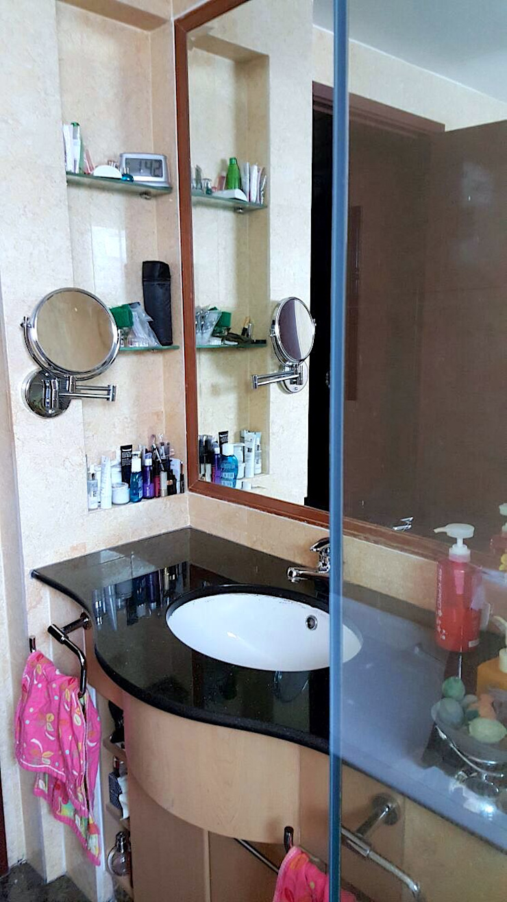 old guest bathroom by Singapore Carpentry Pte Ltd