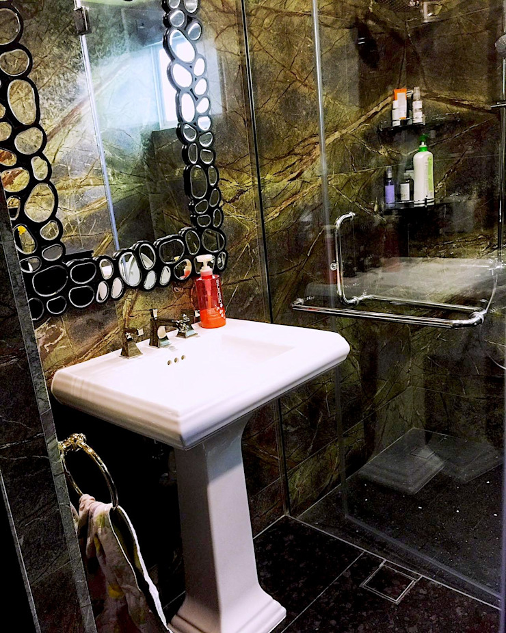 new guest bathroom by Singapore Carpentry Pte Ltd