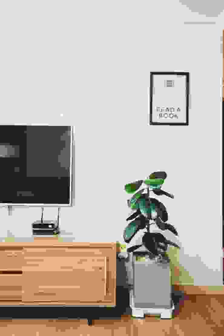 [홈라떼] 성남 신혼집 전셋집 홈스타일링* 스칸디나비아 거실 by homelatte 북유럽