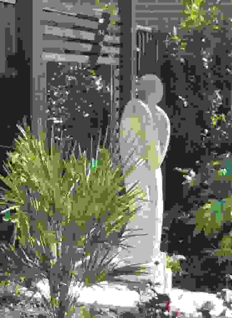 Contemporary Garden Silchester Berkshire Linsey Evans Garden Design Modern garden Sandstone Blue
