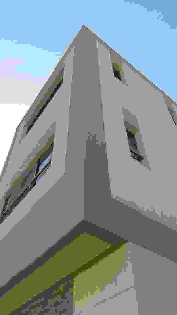 فيلا مودرن تطل علي بحيرة مريوط من TRK Architecture حداثي