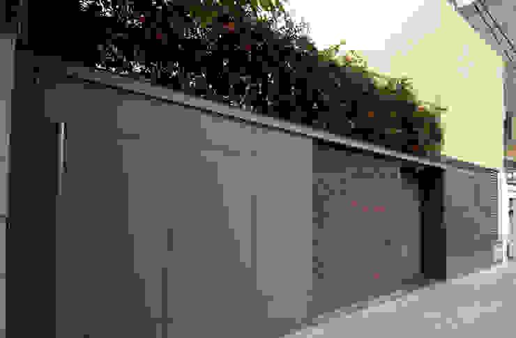 Casas de estilo  por costa & valenzuela, Moderno