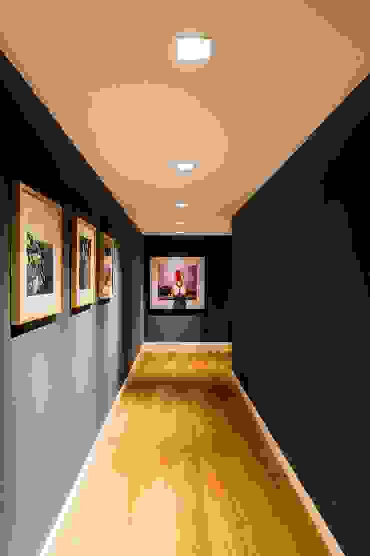 Interiores B.AP Pasillos, vestíbulos y escaleras de estilo rústico Azul