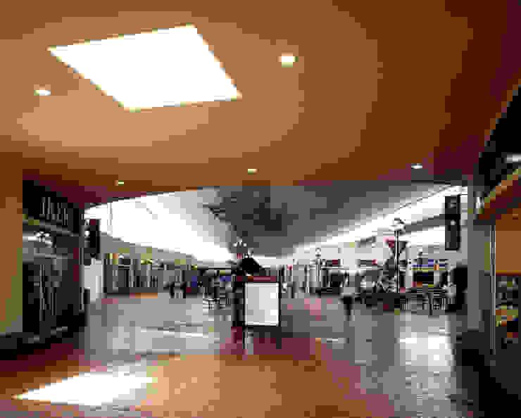 Centro San Miguel - MAC Arquitectos Consultores Pasillos, vestíbulos y escaleras modernos de MAC Arquitectos Consultores Moderno