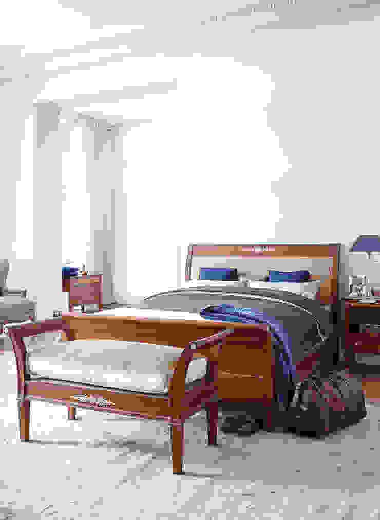 Habitaciones modernas de Conexo. Moderno Madera maciza Multicolor