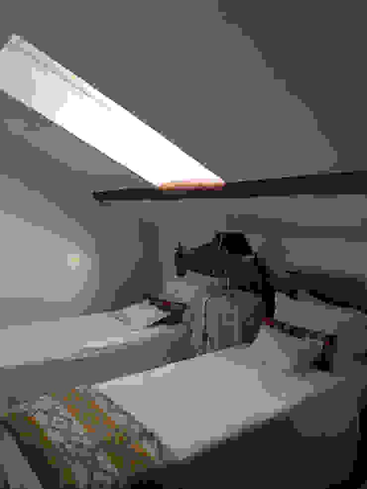 Casa em Benavente Quartos rústicos por QFProjectbuilding, Unipessoal Lda Rústico